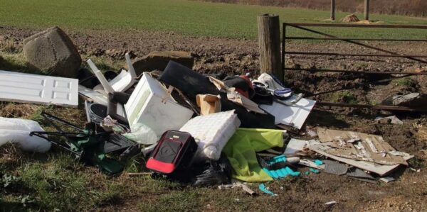 Service card –Fly tipping